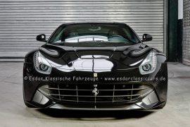 Ferrari F12 Berlinetta  Farbe nero/ schwarz
